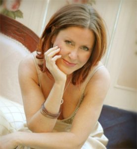 Singer Lisa Martin. Neil Drover Agency
